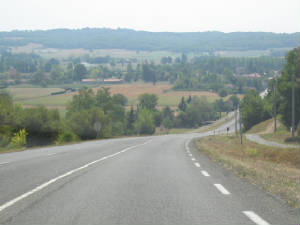 road_in_toulouse_area_france.jpg